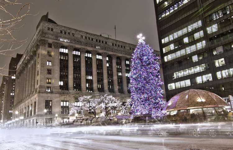 Guideposts: Since 1966, Chicago's official city tree has been located in Daley Plaze, surrounded by Christkindlmarket Chicago.